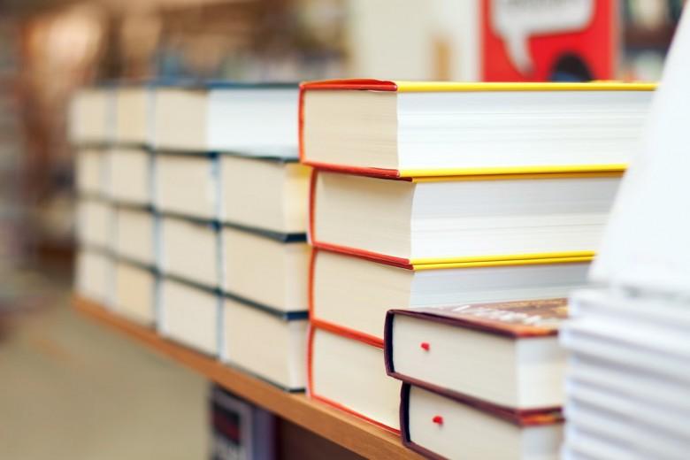 bookstore_books-780x520